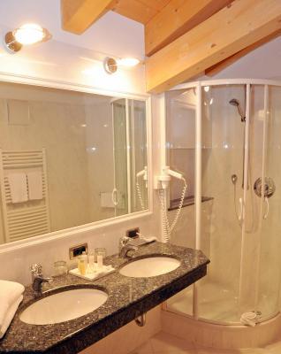 Hotel greif - Hotel corvara con piscina ...