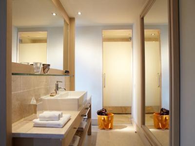 daios cove luxury resort villas. Black Bedroom Furniture Sets. Home Design Ideas
