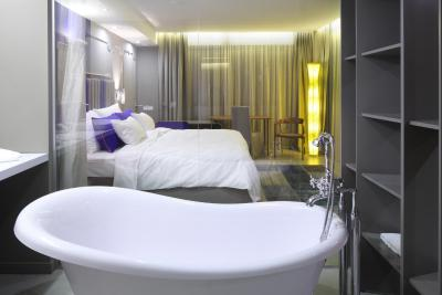 Hotel nox ljubljana si 1435 ocene gostov for Design hotel nox
