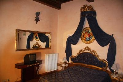 A room at the Hotel Abaco, Florence