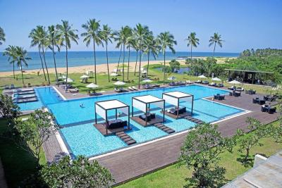 Hotel Suriya Luxury Resort Waikkal