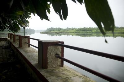 Resort srushti farms asangaon india - Titwala farmhouse with swimming pool ...