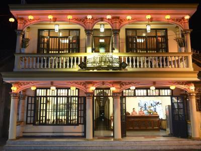 Khách Sạn Huy Hoàng River
