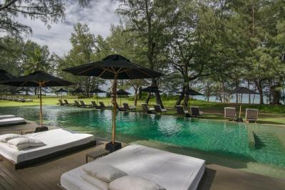 Sala phuket resort spa mai khao beach thailand for Hotel sala phuket