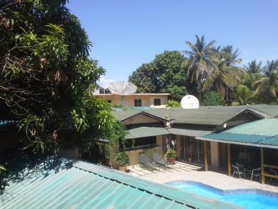 Villa mamika croix des bouquets haiti for Garden pool haiti