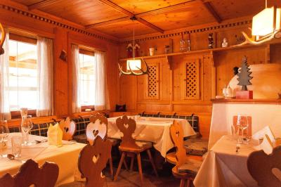 reutte single guys Book hotel goldene rose, reutte on tripadvisor:  we were three guys traveling through germany and austria the three single rooms were very large and .