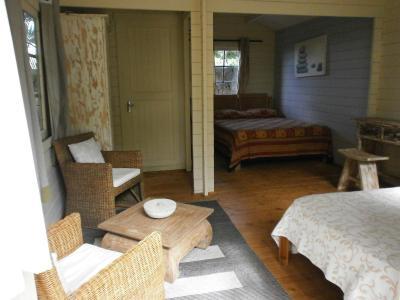 Chambres d 39 h tes le jardin de beau vallon chambres d 39 h tes mah bourg for Jardin beau vallon maurice