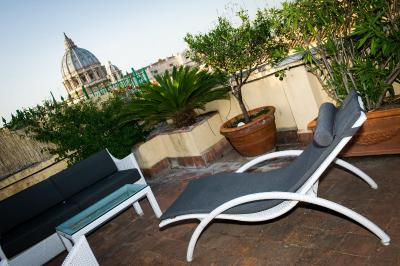 B b fifth floor italia roma for 4758 setting sun terrace