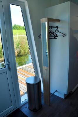 hotel bestmarine waterchalets flevo marina lelystad niederlande. Black Bedroom Furniture Sets. Home Design Ideas