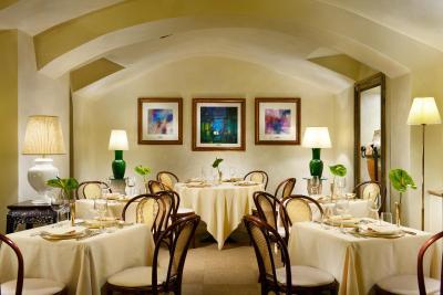 hotel pierre milano italy