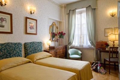 A room at the Hotel Hermitage, Florence
