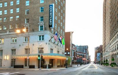 hotel st louis downtown louis mo booking hotel courtyard st louis downtown conven louis mo booking