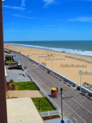 Best Deals for Beach Plaza Hotel, Ocean City, MD - Booking.com