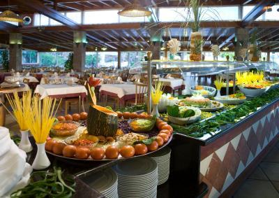 Hotel hovima jardin caleta adeje spain for Aparthotel hovima jardin caleta