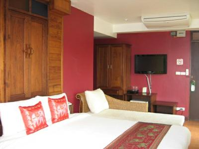Booking Lamphu Tree Hotel
