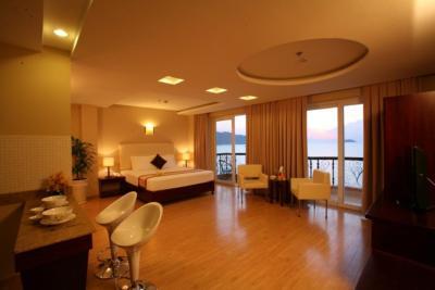Khách Sạn Fairy Bay Nha Trang
