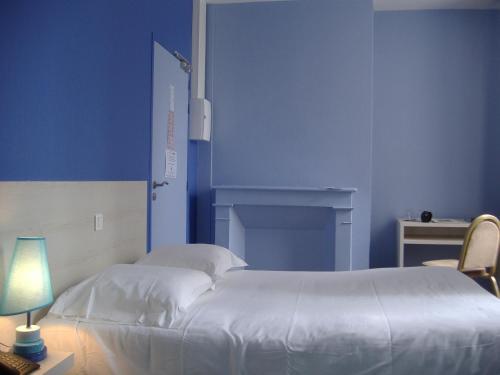 La neuve lyre hotels hotel booking in la neuve lyre for Chaise dieu du theil