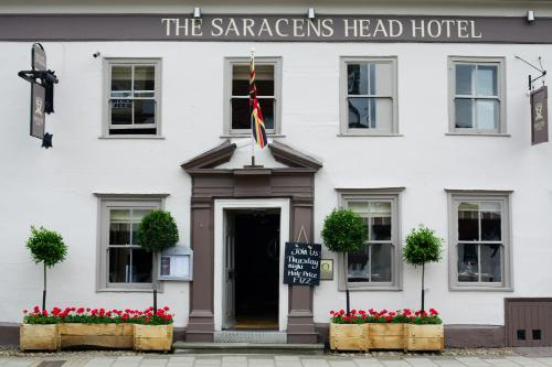 Hotel Pictures: The Saracens Head Hotel, Great Dunmow