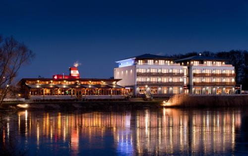 Hotel Pictures: Riverside Hotel, Nordhorn
