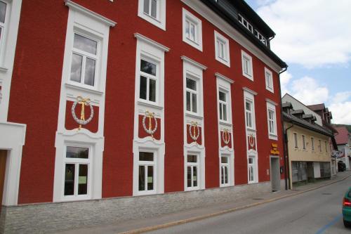 Hotellikuvia: Hotel zum Heiligen Geist, Mariazell