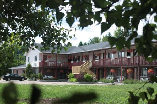 Hotel Pictures: Motel Le Radisson de Val-David, Val-David