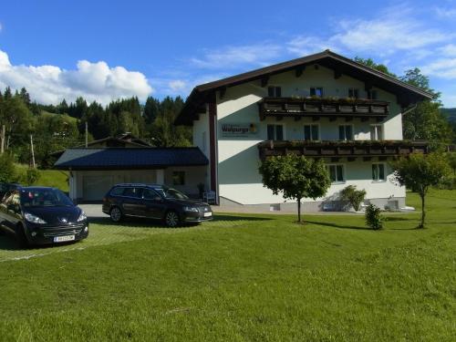 Hotellikuvia: Gästehaus Walpurga, Russbach am Pass Gschütt