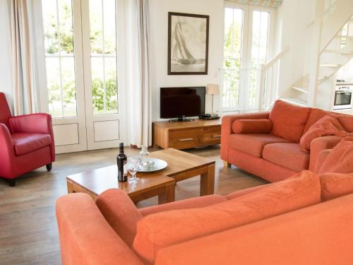Holiday Home Bungalowparck Tulp & Zee.8