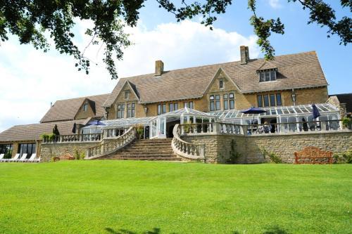 Cricklade House