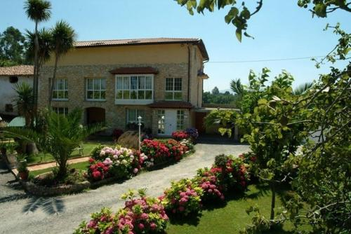 Hotel Pictures: Pensión Toranda, Niembro