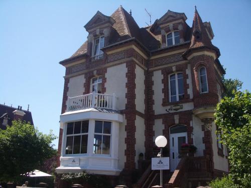 Hotel Pictures: La Maison d'Emilie, Houlgate