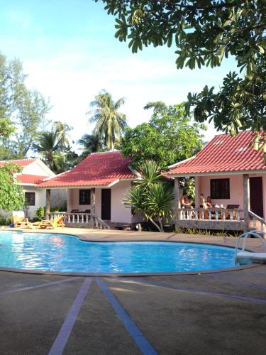 Phuwadee Resort & Spa