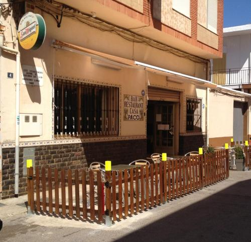 Hotel Pictures: Hostal Casa Paco, Chilches