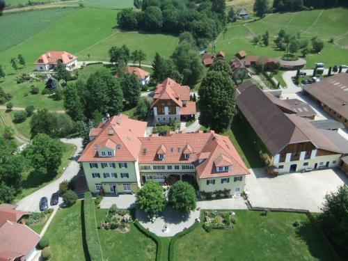 Hotelbilleder: Hotel Dienstl Gut, Launsdorf