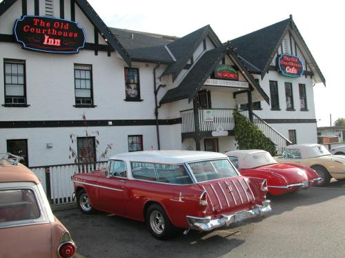 Hotel Pictures: The Old Courthouse Inn, Powell River