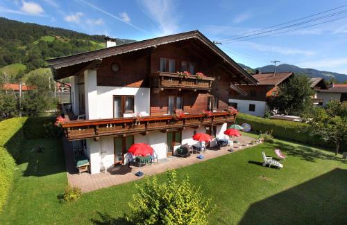 Hotel Pictures: Pension Brixana, Brixen im Thale