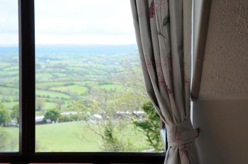 Hotel Pictures: Golden Hill Guest House, Omagh