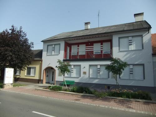 Fotografie hotelů: Bar Pension Lang, Sankt Andrä bei Frauenkirchen