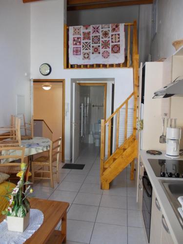 Hotel Pictures: Studios Castellane, Castellane
