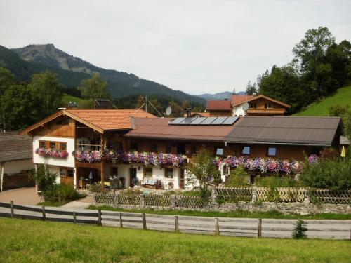 Hotellikuvia: Badhaus, Achenkirch