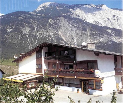 Zdjęcia hotelu: Café-Restaurant-Pension Rudigier, Roppen