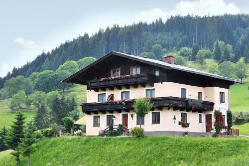 Фотографии отеля: Bio-Bauernhof Reitmayrgut, Гольдег