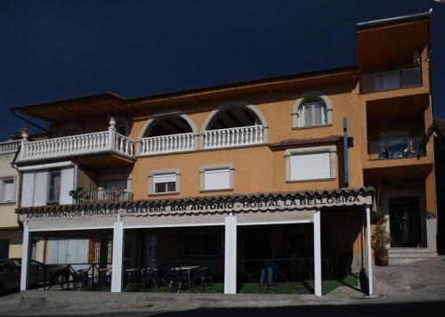 Hotel Pictures: , Cabezabellosa