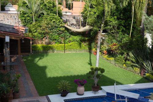 Lush Villa Vista Hermosa