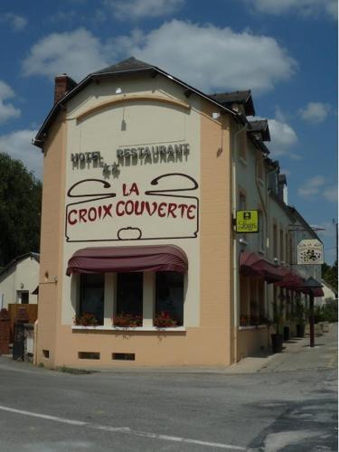 Hotel Pictures: Hôtel-Restaurant La Croix Couverte, Mayenne