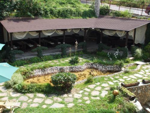 ホテル写真: Guest House Riben Dar, スモーリャン