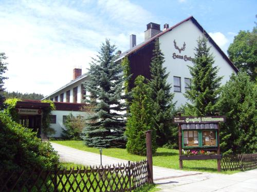Hotel Pictures: Naturparkhotel Haus Hubertus, Kurort Oybin