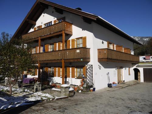 Hotel Pictures: Ferienwohnungen Kral, Grainau
