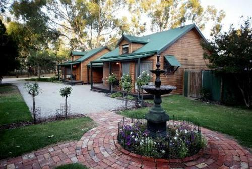 Hotellikuvia: Cottages on Edward, Deniliquin