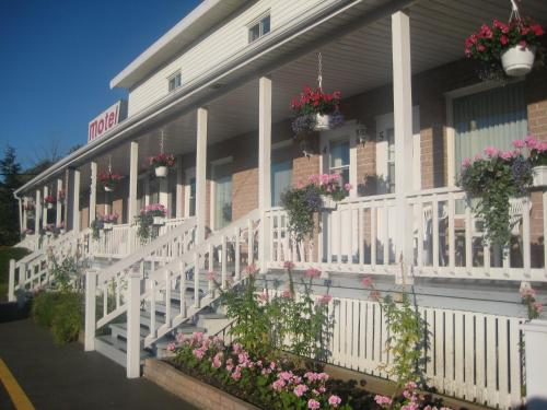 Hotel Pictures: , Rivière-du-Loup