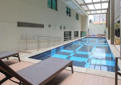 A piscina localizada em Flat no Brooklin 186 ou nos arredores